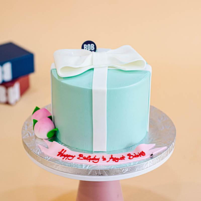 Tiffany Blue Longevity Cake with 2 Shou Tao