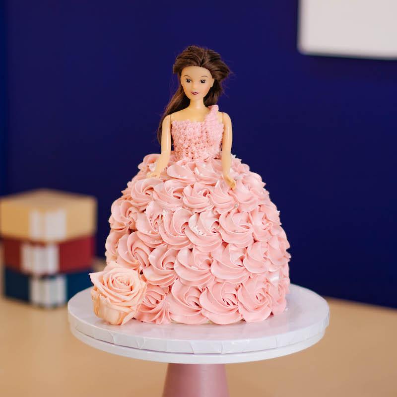 Classic 3D Princess Cake in Pastel Pink Rosette