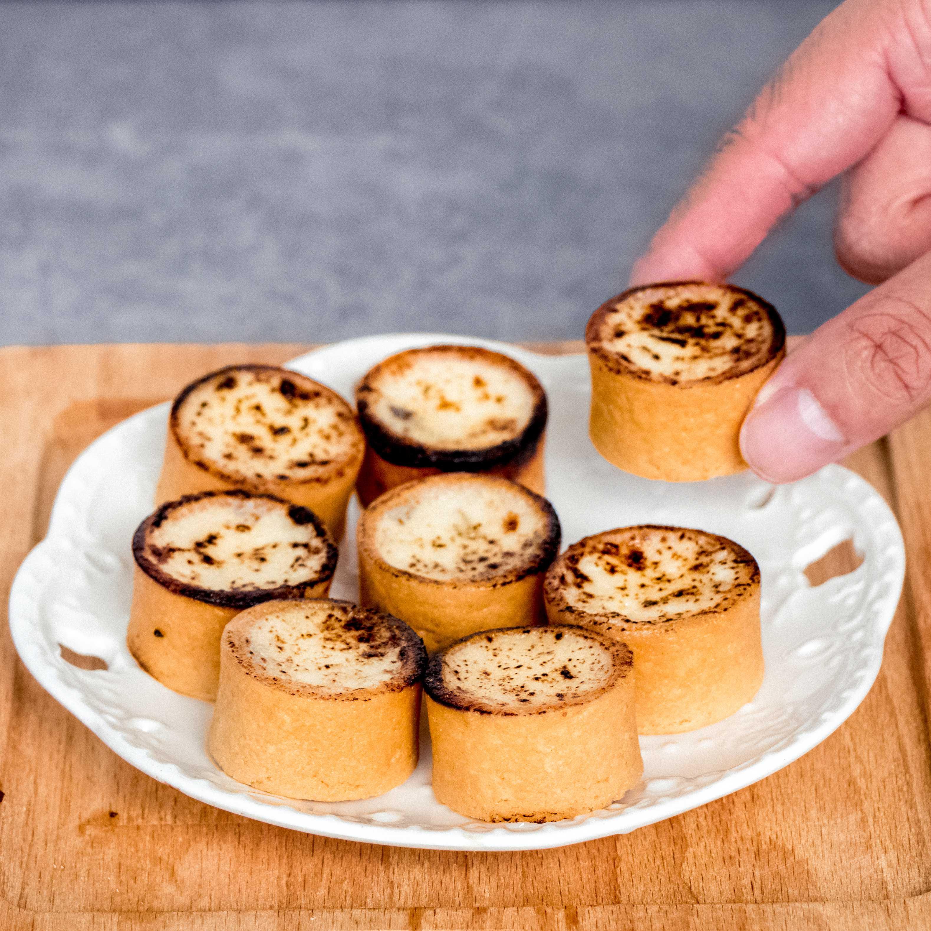Brûlée Cheese Tarts