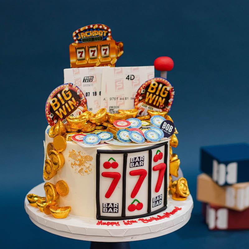 Slot Machine Jackpot Cake in White