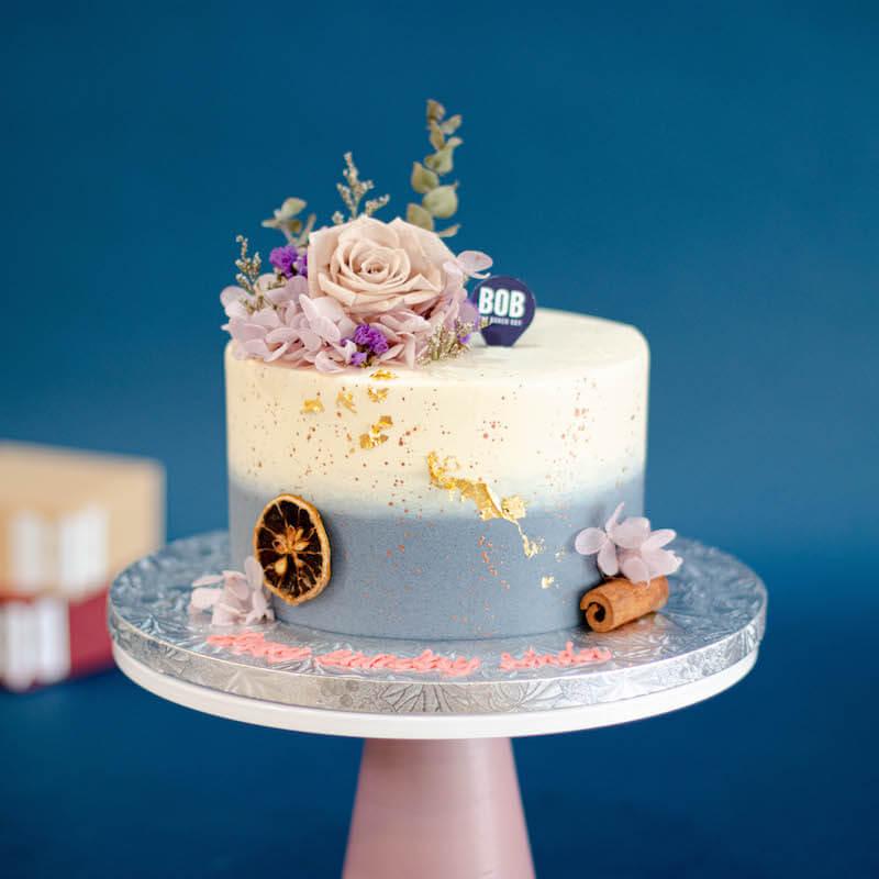Everlasting Khaki Floral Themed Cake